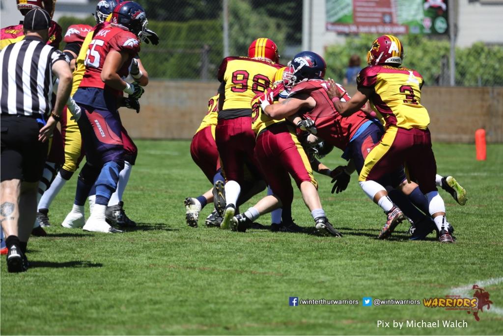 ,beim American Football Spiel zwischen den Calanda Broncos und den Winterthur Warriors , am Sonntag dem, 18. Juni 2017 auf dem Sportplatz Ringstrasse in Chur. (TOPpictures/Michael Walch)Bild-Id: WAM_00017