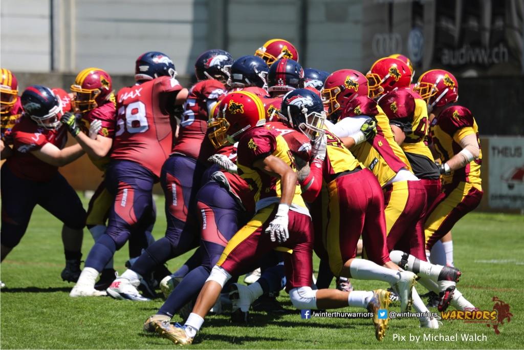 ,beim American Football Spiel zwischen den Calanda Broncos und den Winterthur Warriors , am Sonntag dem, 18. Juni 2017 auf dem Sportplatz Ringstrasse in Chur. (TOPpictures/Michael Walch)Bild-Id: WAM_00028