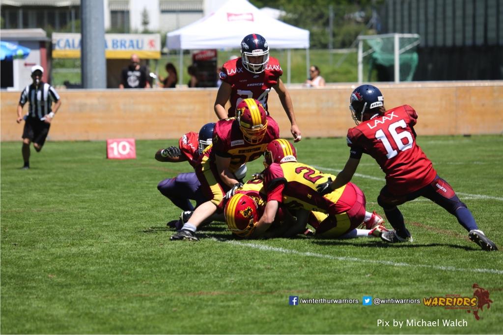 ,beim American Football Spiel zwischen den Calanda Broncos und den Winterthur Warriors , am Sonntag dem, 18. Juni 2017 auf dem Sportplatz Ringstrasse in Chur. (TOPpictures/Michael Walch)Bild-Id: WAM_00034