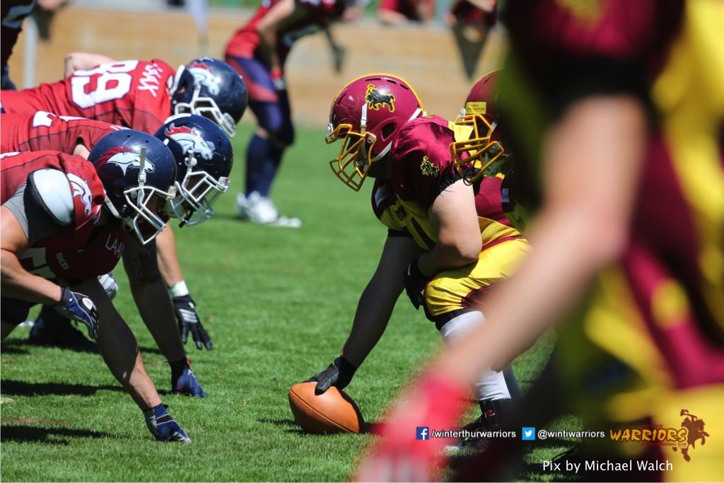 Auf los geht es los ,beim American Football Spiel zwischen den Calanda Broncos und den Winterthur Warriors , am Sonntag dem, 18. Juni 2017 auf dem Sportplatz Ringstrasse in Chur. (TOPpictures/Michael Walch)Bild-Id: WAM_00047