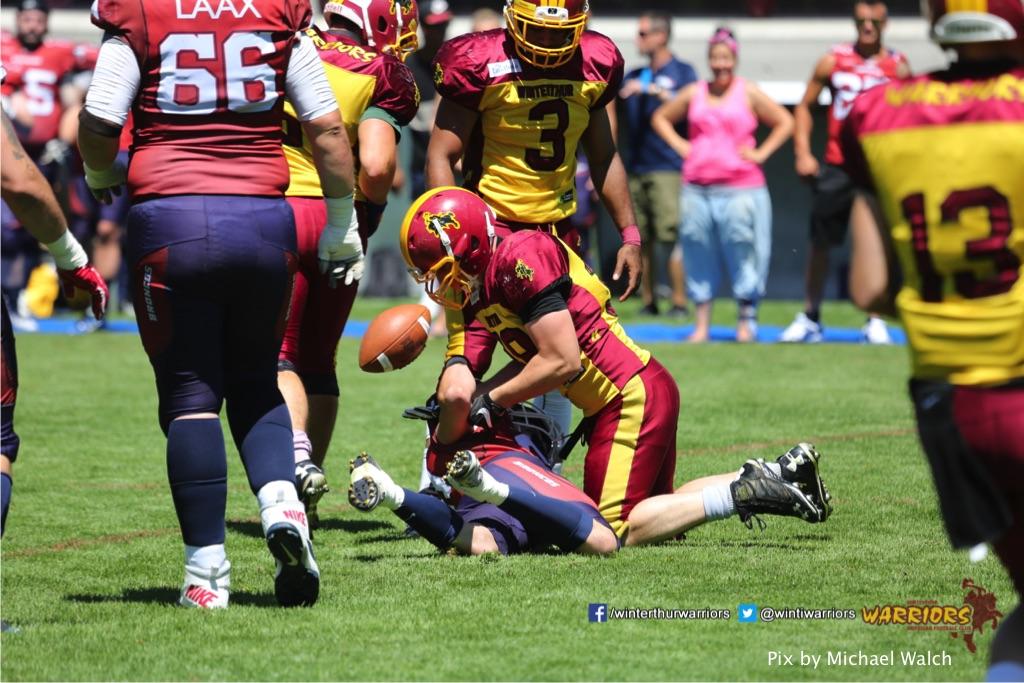 Lukas Grunder(Winterthur Warriors),beim American Football Spiel zwischen den Calanda Broncos und den Winterthur Warriors , am Sonntag dem, 18. Juni 2017 auf dem Sportplatz Ringstrasse in Chur. (TOPpictures/Michael Walch)  Bild-Id: WAM_00057