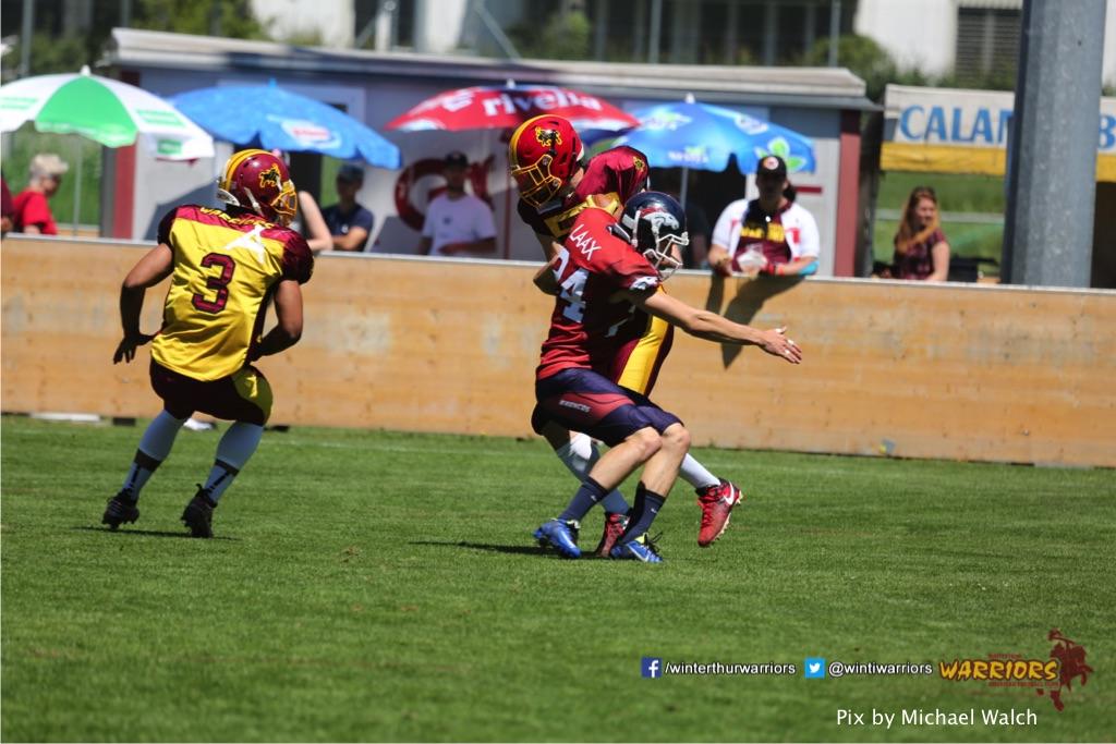,beim American Football Spiel zwischen den Calanda Broncos und den Winterthur Warriors , am Sonntag dem, 18. Juni 2017 auf dem Sportplatz Ringstrasse in Chur. (TOPpictures/Michael Walch)  Bild-Id: WAM_00061