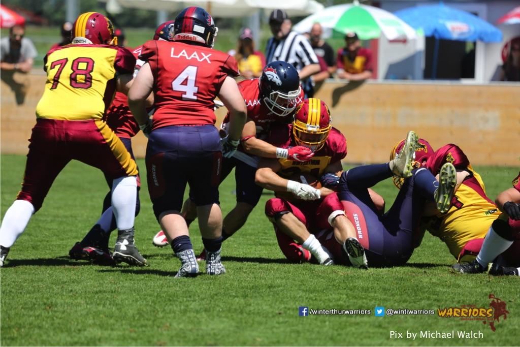 ,beim American Football Spiel zwischen den Calanda Broncos und den Winterthur Warriors , am Sonntag dem, 18. Juni 2017 auf dem Sportplatz Ringstrasse in Chur. (TOPpictures/Michael Walch)  Bild-Id: WAM_00064