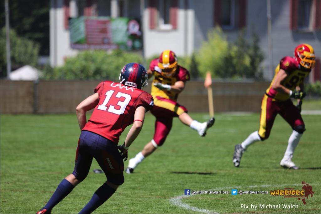 ,beim American Football Spiel zwischen den Calanda Broncos und den Winterthur Warriors , am Sonntag dem, 18. Juni 2017 auf dem Sportplatz Ringstrasse in Chur. (TOPpictures/Michael Walch)  Bild-Id: WAM_00117