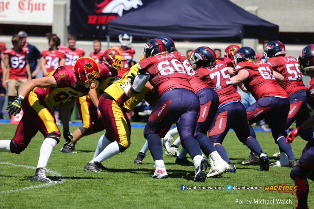 ,beim American Football Spiel zwischen den Calanda Broncos und den Winterthur Warriors , am Sonntag dem, 18. Juni 2017 auf dem Sportplatz Ringstrasse in Chur. (TOPpictures/Michael Walch)  Bild-Id: WAM_00118