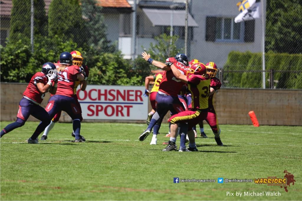 ,beim American Football Spiel zwischen den Calanda Broncos und den Winterthur Warriors , am Sonntag dem, 18. Juni 2017 auf dem Sportplatz Ringstrasse in Chur. (TOPpictures/Michael Walch)  Bild-Id: WAM_00122