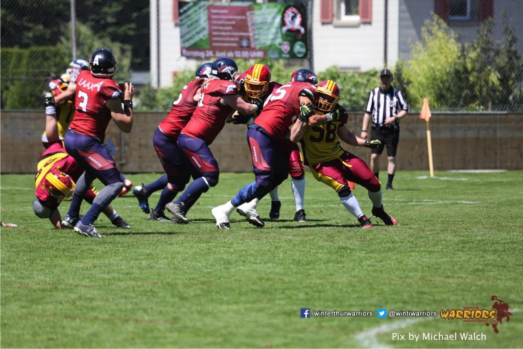 ,beim American Football Spiel zwischen den Calanda Broncos und den Winterthur Warriors , am Sonntag dem, 18. Juni 2017 auf dem Sportplatz Ringstrasse in Chur. (TOPpictures/Michael Walch)  Bild-Id: WAM_00124