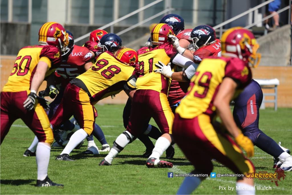 ,beim American Football Spiel zwischen den Calanda Broncos und den Winterthur Warriors , am Sonntag dem, 18. Juni 2017 auf dem Sportplatz Ringstrasse in Chur. (TOPpictures/Michael Walch)  Bild-Id: WAM_00168