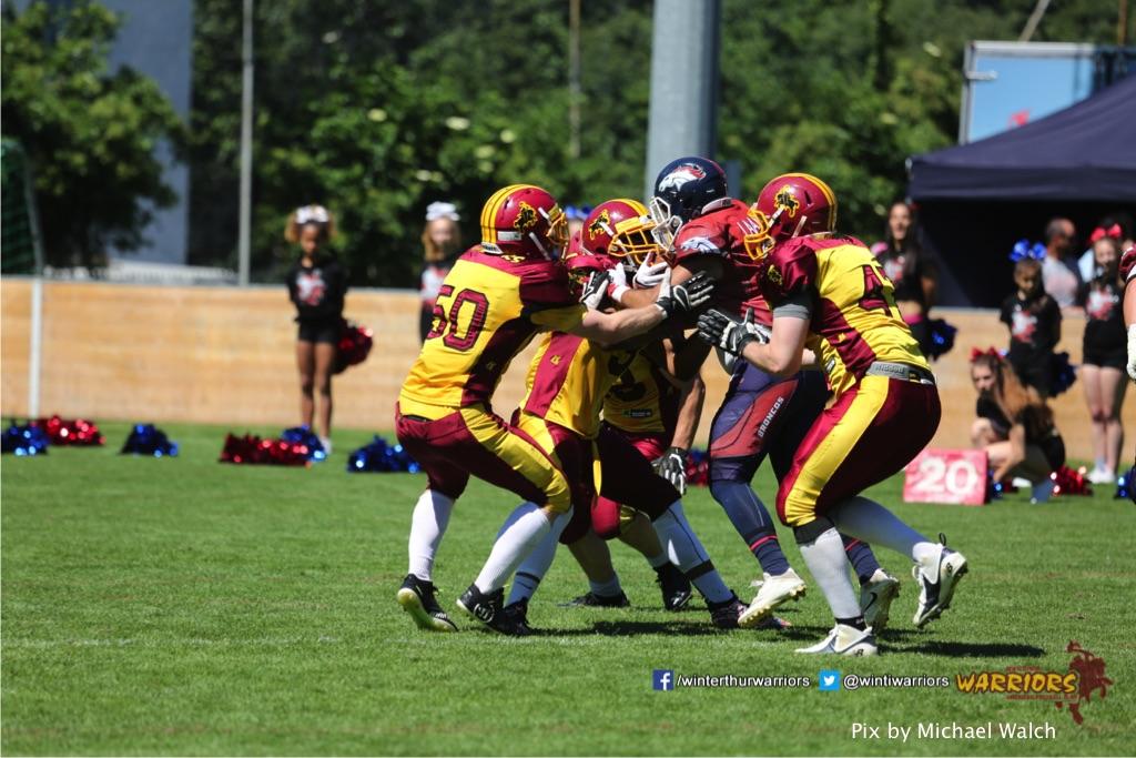 ,beim American Football Spiel zwischen den Calanda Broncos und den Winterthur Warriors , am Sonntag dem, 18. Juni 2017 auf dem Sportplatz Ringstrasse in Chur. (TOPpictures/Michael Walch)  Bild-Id: WAM_00179
