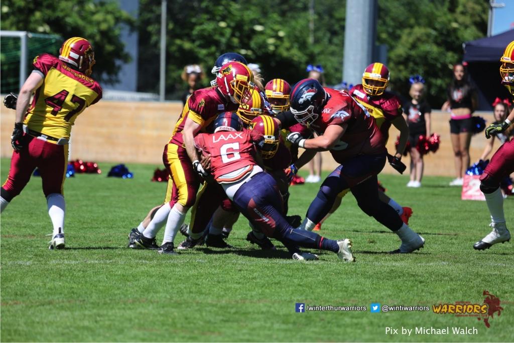 ,beim American Football Spiel zwischen den Calanda Broncos und den Winterthur Warriors , am Sonntag dem, 18. Juni 2017 auf dem Sportplatz Ringstrasse in Chur. (TOPpictures/Michael Walch)  Bild-Id: WAM_00181