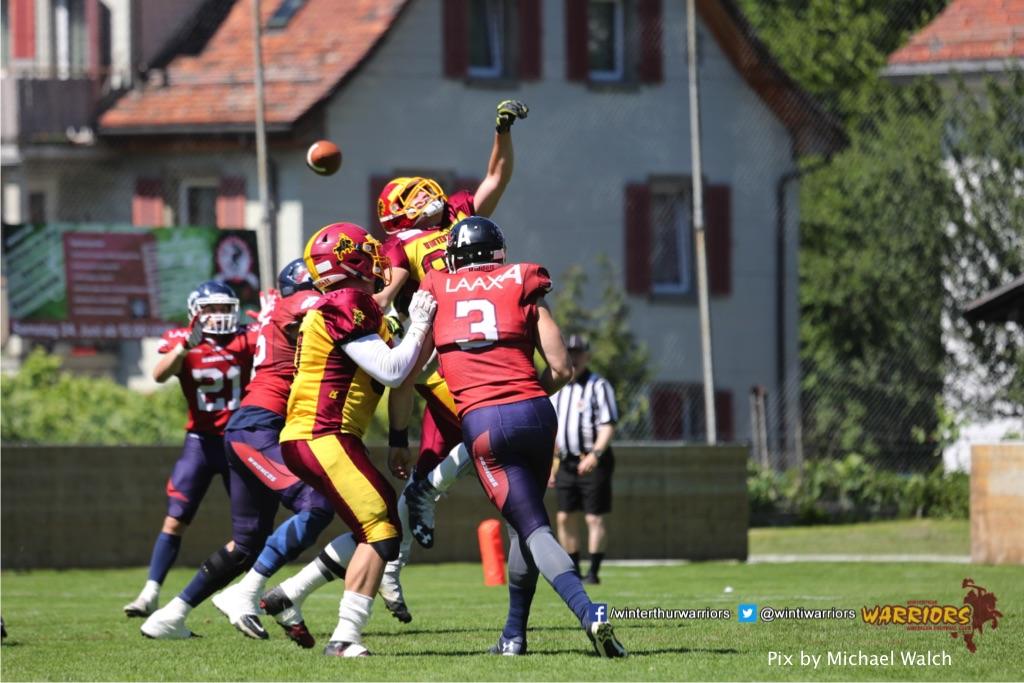 Manuel Kohle (Winterthur Warriors),beim American Football Spiel zwischen den Calanda Broncos und den Winterthur Warriors , am Sonntag dem, 18. Juni 2017 auf dem Sportplatz Ringstrasse in Chur. (TOPpictures/Michael Walch)  Bild-Id: WAM_00186