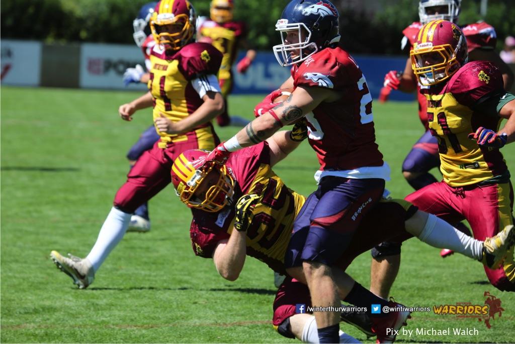 Patrick Schiffmann,beim American Football Spiel zwischen den Calanda Broncos und den Winterthur Warriors , am Sonntag dem, 18. Juni 2017 auf dem Sportplatz Ringstrasse in Chur. (TOPpictures/Michael Walch)  Bild-Id: WAM_00193