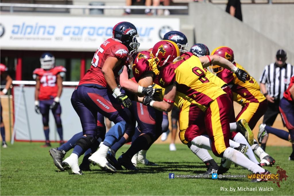 ,beim American Football Spiel zwischen den Calanda Broncos und den Winterthur Warriors , am Sonntag dem, 18. Juni 2017 auf dem Sportplatz Ringstrasse in Chur. (TOPpictures/Michael Walch)  Bild-Id: WAM_00214