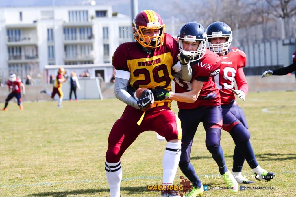 Fabian Wittwer #29 (Winterthur),beim US-Sports spiel der American Football - U19 zwischen dem Calanda Broncos und dem Winterthur Warriors, on Sunday,  25. March 2018 im Stadion Ringstrasse in Chur. (TOPpictures/Michael Walch)  Bild-Id: WAM_34513