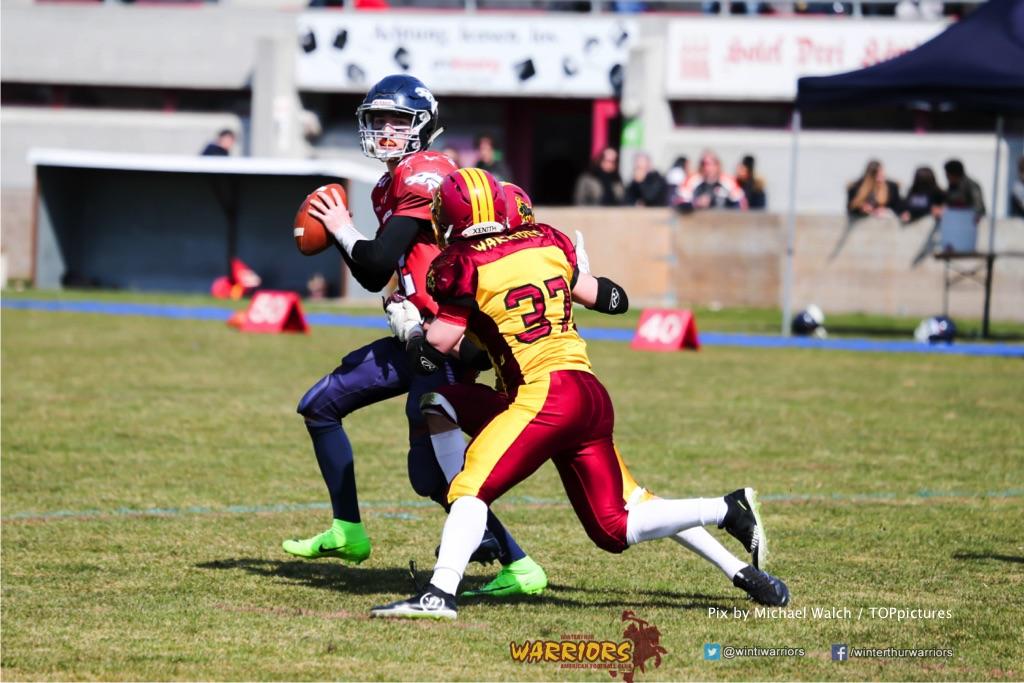 Marco Licini #37 (Winterthur),beim US-Sports spiel der American Football - U19 zwischen dem Calanda Broncos und dem Winterthur Warriors, on Sunday,  25. March 2018 im Stadion Ringstrasse in Chur. (TOPpictures/Michael Walch)  Bild-Id: WAM_34665