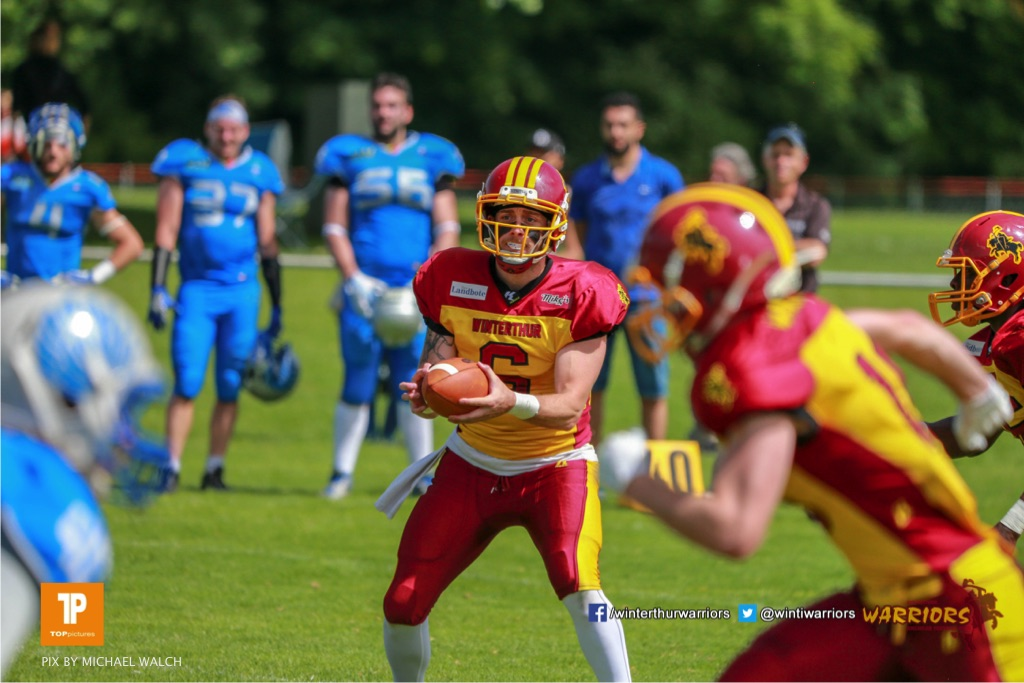 Zach Shaw #9 (Winterthur),beim US-Sports spiel der American Football - NLA zwischen dem Geneva Seahawks und dem Winterthur Warriors, on Sunday,  27. May 2018 im Centre Sportif de Vessy in Genève. (TOPpictures/Michael Walch)  Bild-Id: WAM_42609