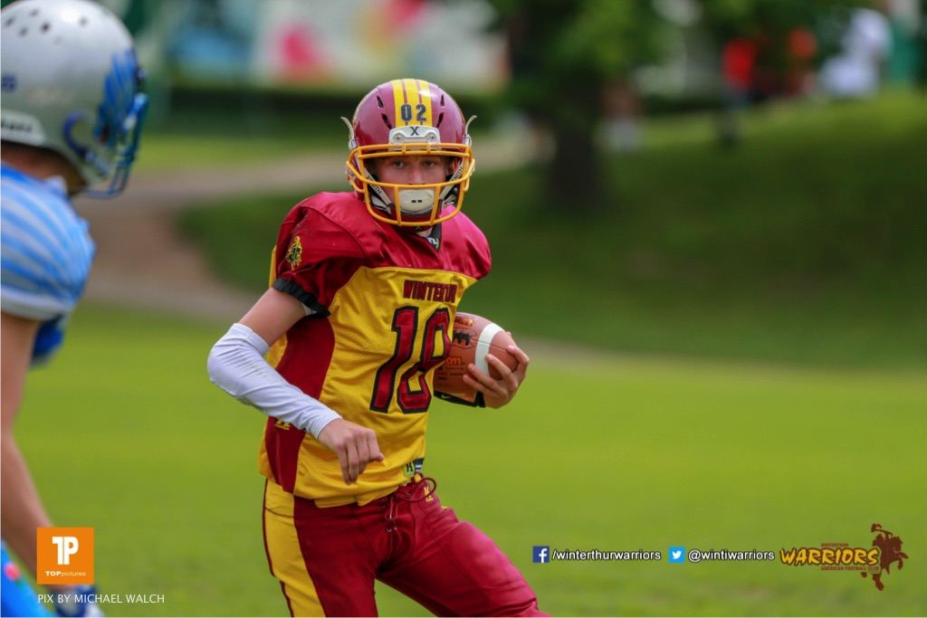 Magnus Geers #18 (Winterthur),beim US-Sports spiel der American Football - U19 zwischen dem Geneva Seahawks und dem Winterthur Warriors U19, on Sunday,  27. May 2018 im Centre Sportif de Vessy in Genève. (TOPpictures/Michael Walch)