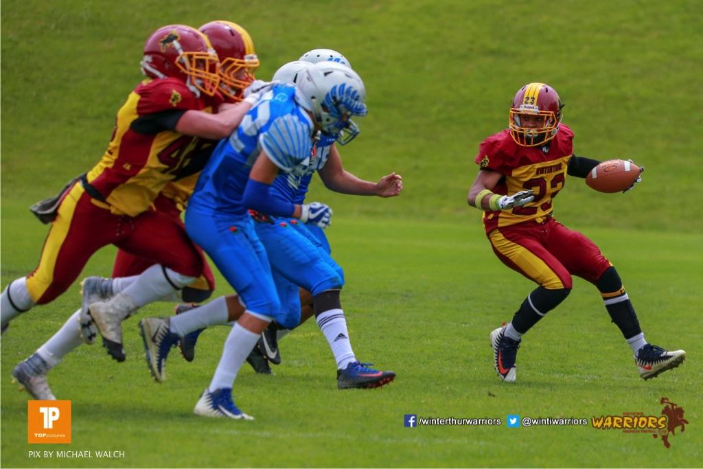 Sven Egg #22 (Winterthur),beim US-Sports spiel der American Football - U19 zwischen dem Geneva Seahawks und dem Winterthur Warriors U19, on Sunday,  27. May 2018 im Centre Sportif de Vessy in Genève. (TOPpictures/Michael Walch)  Bild-Id: WAM_42542