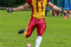 Noe Imark #11 (Winterthur),beim US-Sports spiel der American Football - U19 zwischen dem Geneva Seahawks und dem Winterthur Warriors U19, on Sunday,  27. May 2018 im Centre Sportif de Vessy in Genève. (TOPpictures/Michael Walch)  Bild-Id: WAM_42517