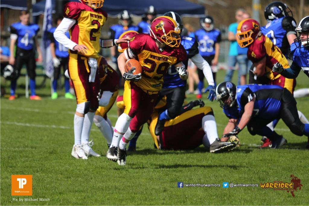 Beim US-Sports spiel der American Football  zwischen dem Luzern Lions und dem Winterthur Warriors (U19), on Sunday,  08. April 2018 auf der Allmend Süd in Luzern. (TOPpictures/Michael Walch)Bild-Id: WAM_35323