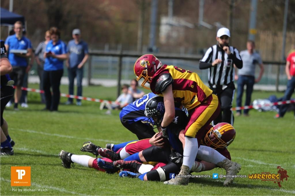 Beim US-Sports spiel der American Football  zwischen dem Luzern Lions und dem Winterthur Warriors (U19), on Sunday,  08. April 2018 auf der Allmend Süd in Luzern. (TOPpictures/Michael Walch)Bild-Id: WAM_35497