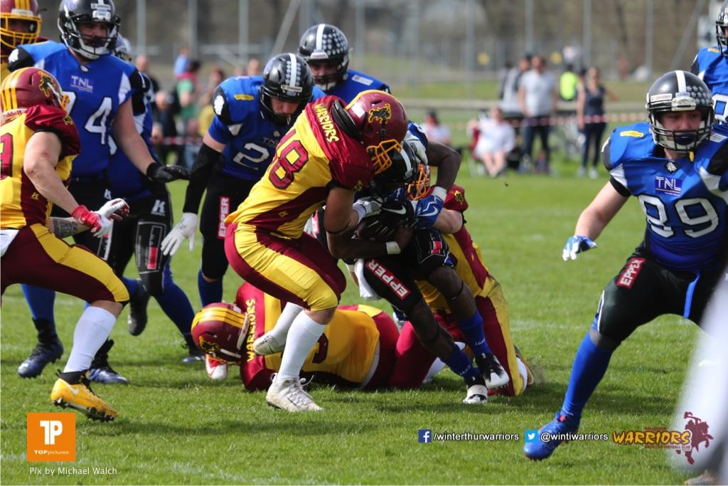 Beim US-Sports spiel der American Football  zwischen dem Luzern Lions und dem Winterthur Warriors, on Sunday,  08. April 2018 auf der Allmend Süd in Luzern. (TOPpictures/Michael Walch)Bild-Id: WAM_35653