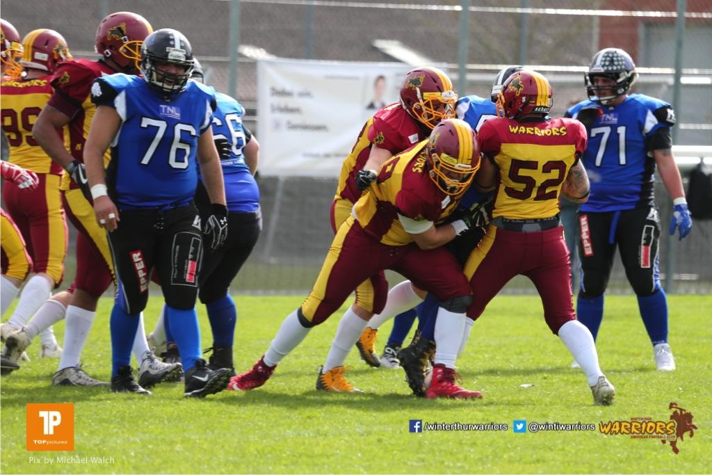 Beim US-Sports spiel der American Football  zwischen dem Luzern Lions und dem Winterthur Warriors, on Sunday,  08. April 2018 auf der Allmend Süd in Luzern. (TOPpictures/Michael Walch)Bild-Id: WAM_35798