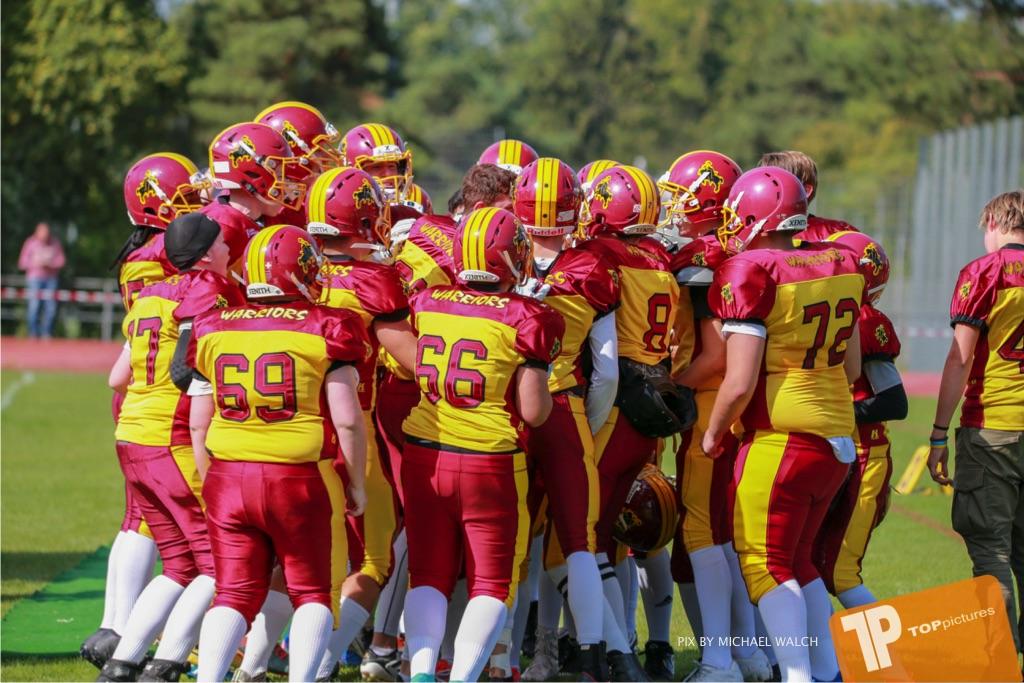 Beim US-Sports spiel der American Football - U16 zwischen dem Calanda Broncos U16 und dem Winterthur Warriors  U16, on Sunday,  26. August 2018 auf dem Sportplatz Looren in Witikon. (TOPpictures/Michael Walch)  Bild-Id: WAM_45324