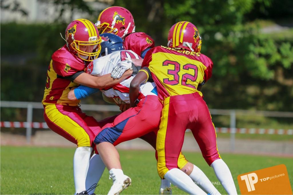 Beim US-Sports spiel der American Football - U16 zwischen dem Calanda Broncos U16 und dem Winterthur Warriors  U16, on Sunday,  26. August 2018 auf dem Sportplatz Looren in Witikon. (TOPpictures/Michael Walch)  Bild-Id: WAM_45336