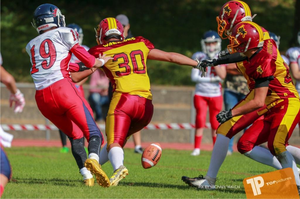 Beim US-Sports spiel der American Football - U16 zwischen dem Calanda Broncos U16 und dem Winterthur Warriors  U16, on Sunday,  26. August 2018 auf dem Sportplatz Looren in Witikon. (TOPpictures/Michael Walch)  Bild-Id: WAM_45347