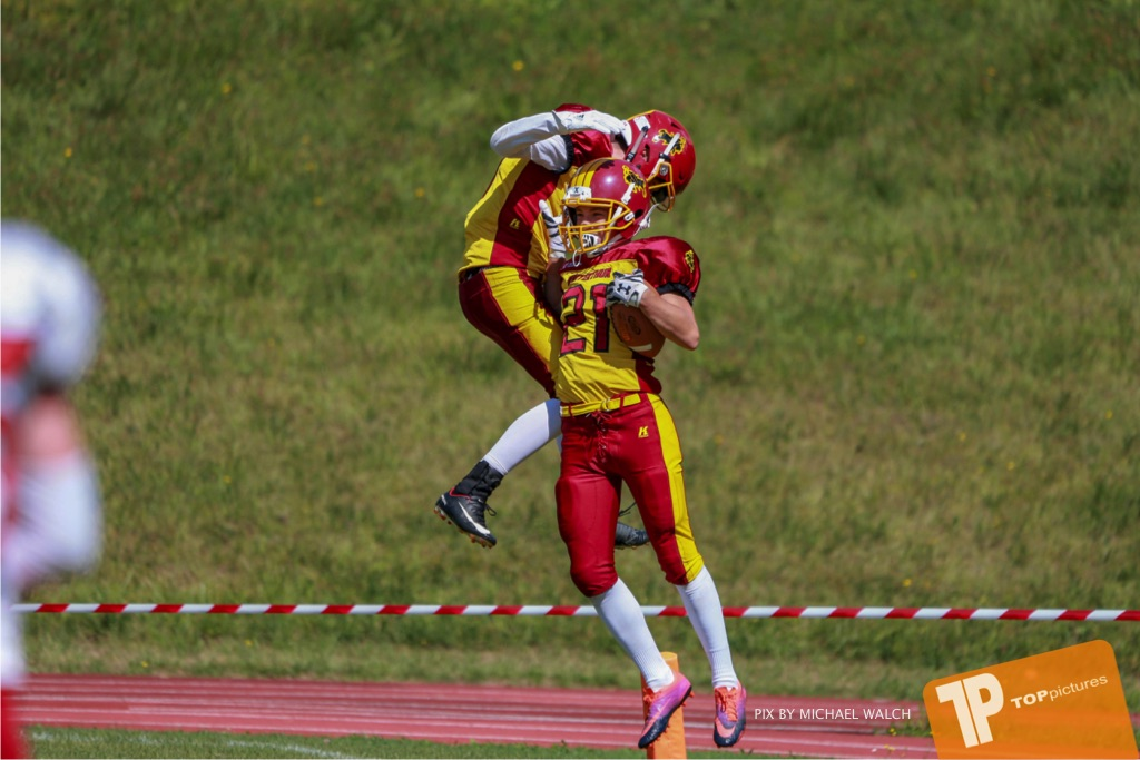 Beim US-Sports spiel der American Football - U16 zwischen dem Calanda Broncos U16 und dem Winterthur Warriors  U16, on Sunday,  26. August 2018 auf dem Sportplatz Looren in Witikon. (TOPpictures/Michael Walch)  Bild-Id: WAM_45442