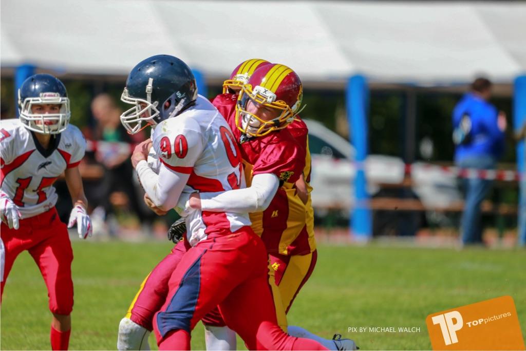 Beim US-Sports spiel der American Football - U16 zwischen dem Calanda Broncos U16 und dem Winterthur Warriors  U16, on Sunday,  26. August 2018 auf dem Sportplatz Looren in Witikon. (TOPpictures/Michael Walch)  Bild-Id: WAM_45468