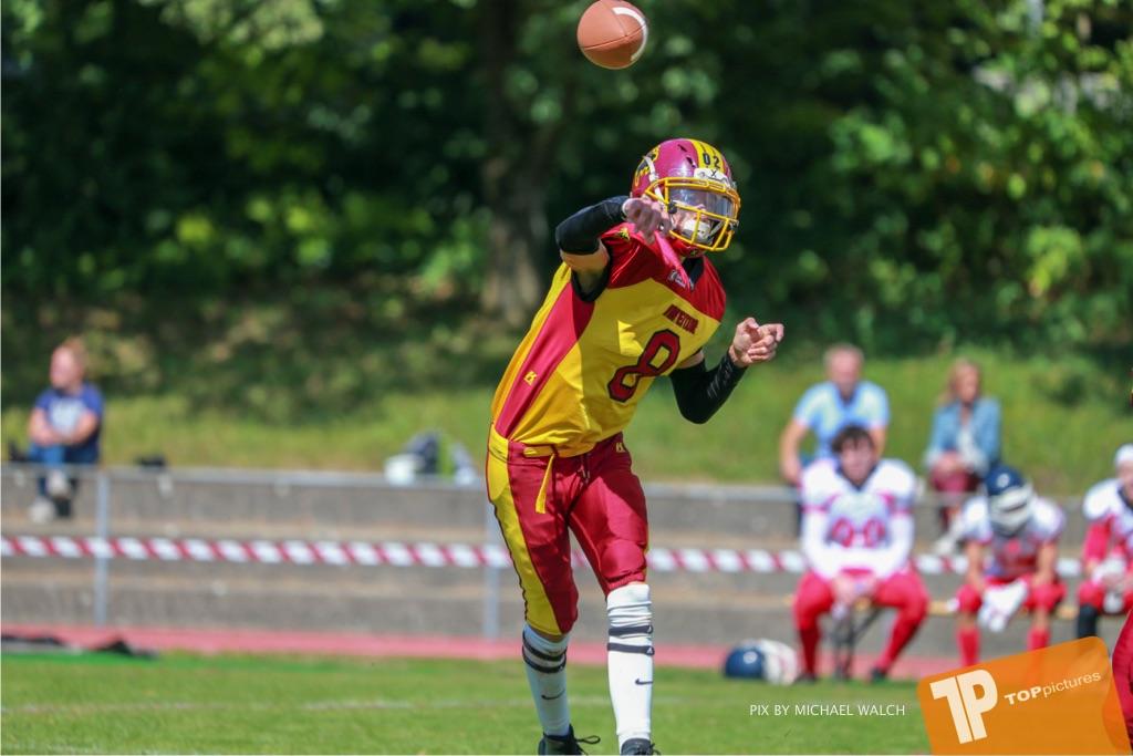 Beim US-Sports spiel der American Football - U16 zwischen dem Calanda Broncos U16 und dem Winterthur Warriors  U16, on Sunday,  26. August 2018 auf dem Sportplatz Looren in Witikon. (TOPpictures/Michael Walch)  Bild-Id: WAM_45483