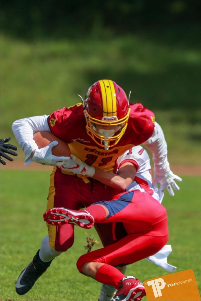 Beim US-Sports spiel der American Football - U16 zwischen dem Calanda Broncos U16 und dem Winterthur Warriors  U16, on Sunday,  26. August 2018 auf dem Sportplatz Looren in Witikon. (TOPpictures/Michael Walch)  Bild-Id: WAM_45528