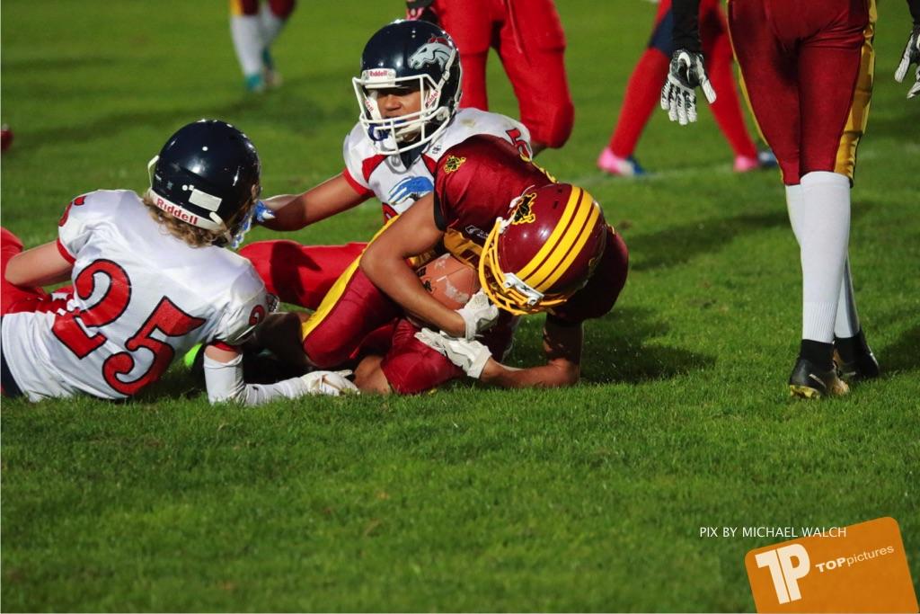 Beim US-Sports spiel der American Football - U16 zwischen dem Winterthur Warriors U16 und dem Calanda Broncos U16, on Saturday,  29. September 2018 im Sportanlage Deutweg in Winterthur . (TOPpictures/Michael Walch) Bild-Id: WAM_46210