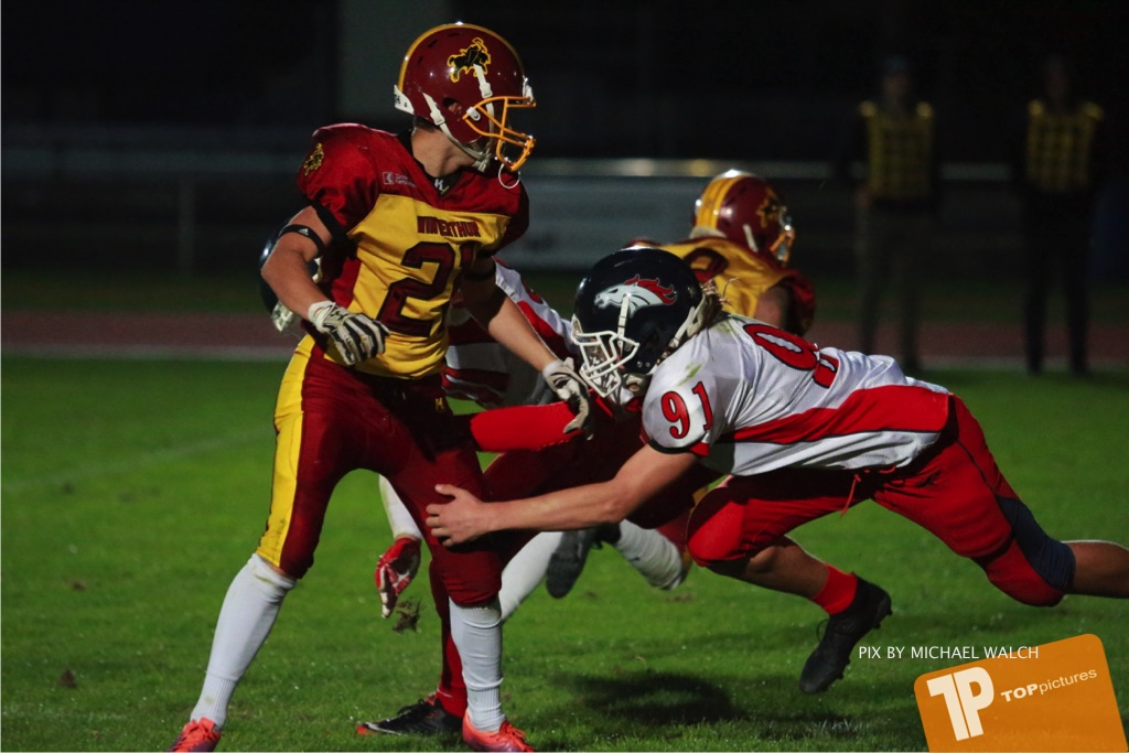 Beim US-Sports spiel der American Football - U16 zwischen dem Winterthur Warriors U16 und dem Calanda Broncos U16, on Saturday,  29. September 2018 im Sportanlage Deutweg in Winterthur . (TOPpictures/Michael Walch) Bild-Id: WAM_46226