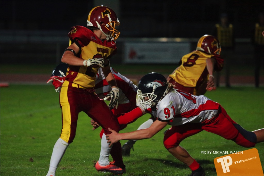 Beim US-Sports spiel der American Football - U16 zwischen dem Winterthur Warriors U16 und dem Calanda Broncos U16, on Saturday,  29. September 2018 im Sportanlage Deutweg in Winterthur . (TOPpictures/Michael Walch) Bild-Id: WAM_46227