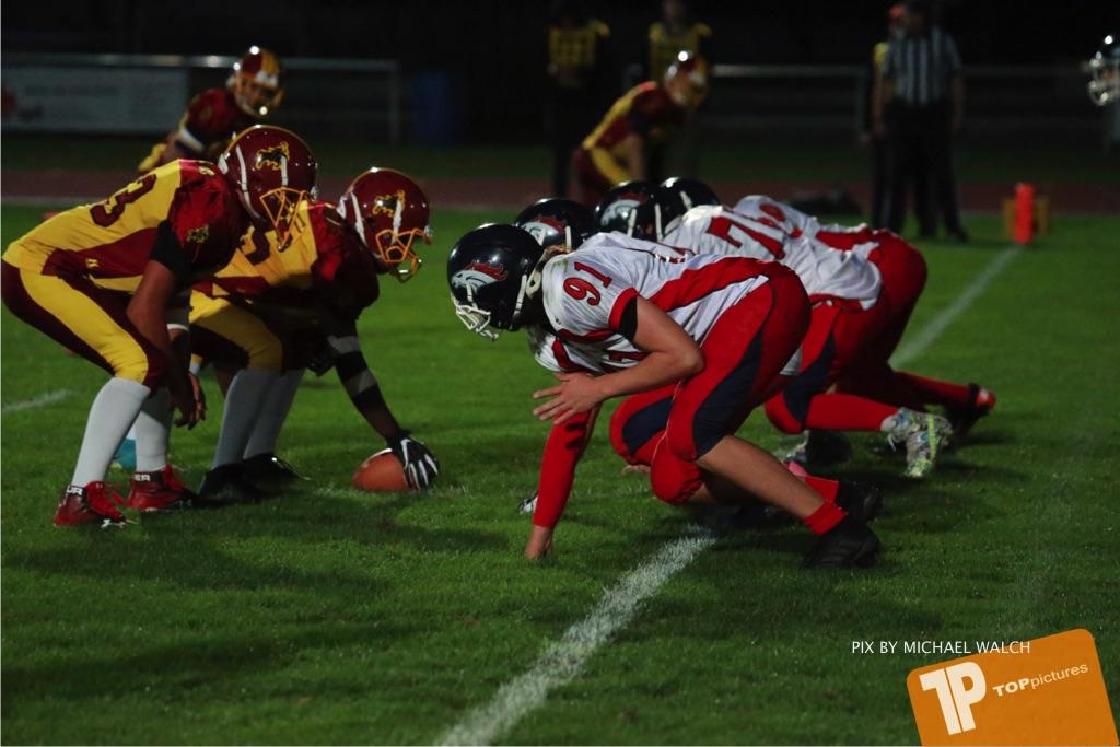 Beim US-Sports spiel der American Football - U16 zwischen dem Winterthur Warriors U16 und dem Calanda Broncos U16, on Saturday,  29. September 2018 im Sportanlage Deutweg in Winterthur . (TOPpictures/Michael Walch) Bild-Id: WAM_46235