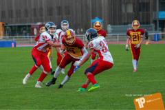 Beim US-Sports spiel der American Football - U16 zwischen dem Winterthur Warriors U16 und dem Calanda Broncos U16, on Saturday,  29. September 2018 im Sportanlage Deutweg in Winterthur . (TOPpictures/Michael Walch)  Bild-Id: WAM_46139