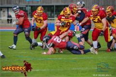 18.05.2019, American Football, Herren, 2018/2019, NLA, Winterthur Warriors vs Calanda Broncos , SIMIONI LEON #28 (Winterthur Warriors) gegen Marco Mahrer #20  Calanda Broncos