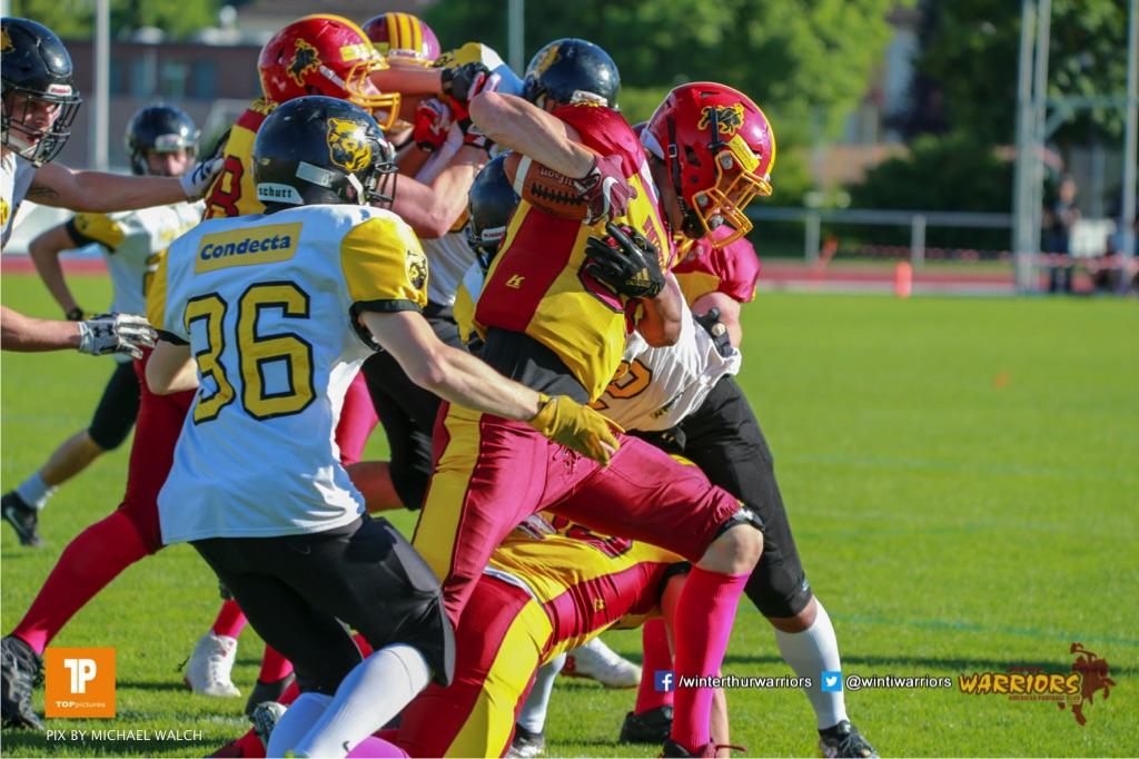 Beim US-Sports spiel der American Football NLA zwischen dem Winterthur Warriors und dem Bern Grizzlies, on Saturday,  02. June 2018 auf dem Sportplatz Deutweg in Winterthur. (TOPpictures/Michael Walch)  Bild-Id: WAM_43089