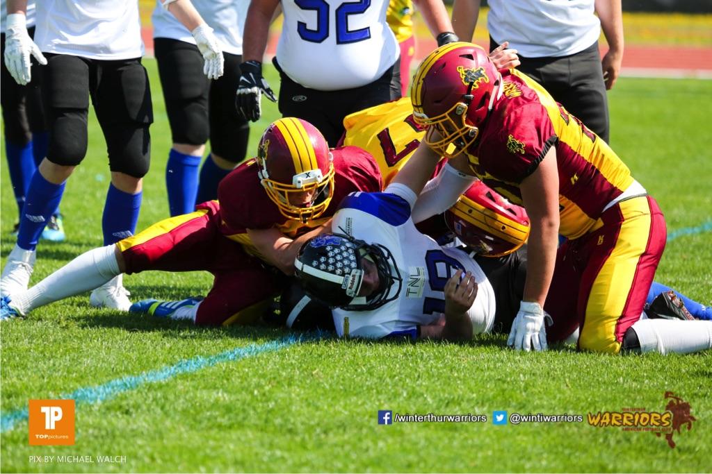 Beim US-Sports spiel der American Football - NLA zwischen dem Winterthur Warriors und dem Luzern Lions  U19, on Saturday,  21. April 2018 auf dem  Winterthurer Deutweg in Winterthur. (TOPpictures/Michael Walch)Bild-Id: WAM_36944