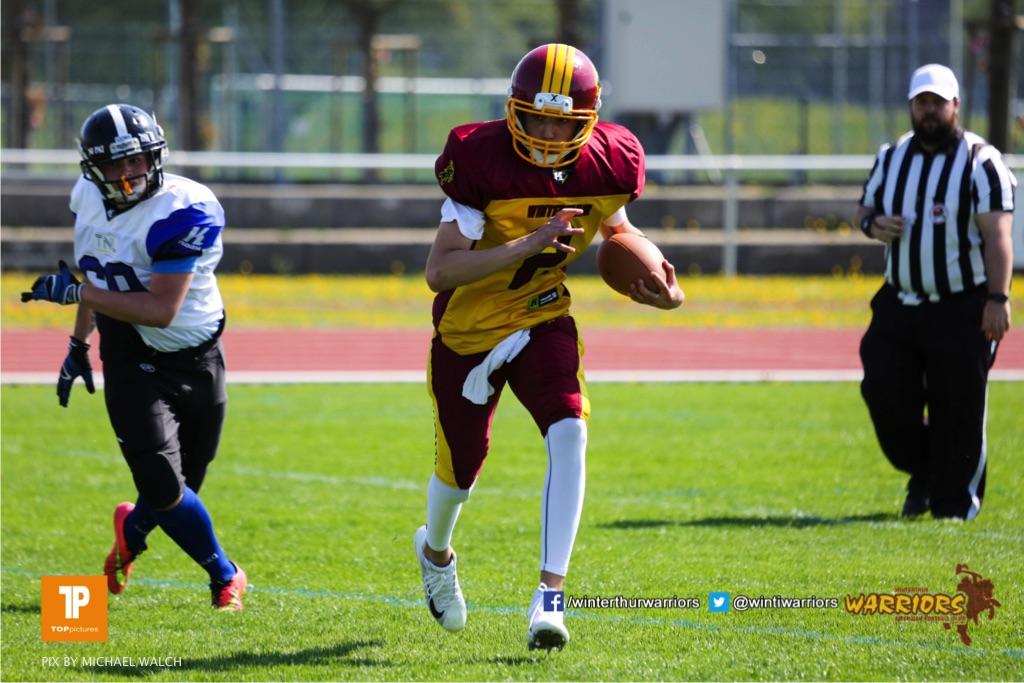 Beim US-Sports spiel der American Football - U19 zwischen dem Winterthur Warriors und dem Luzern Lions  U19, on Saturday,  21. April 2018 auf dem  Winterthurer Deutweg in Winterthur. (TOPpictures/Michael Walch)Bild-Id: WAM_36955