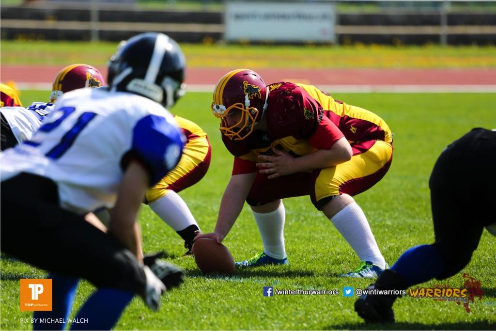 Beim US-Sports spiel der American Football - U19 zwischen dem Winterthur Warriors und dem Luzern Lions  U19, on Saturday,  21. April 2018 auf dem  Winterthurer Deutweg in Winterthur. (TOPpictures/Michael Walch)Bild-Id: WAM_36965