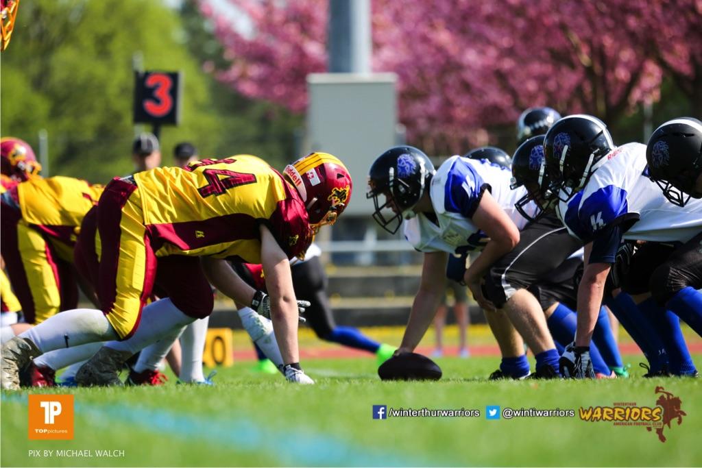 Beim US-Sports spiel der American Football - U 19 zwischen dem Winterthur Warriors und dem Luzern Lions  U19, on Saturday,  21. April 2018 auf dem  Winterthurer Deutweg in Winterthur. (TOPpictures/Michael Walch)Bild-Id: WAM_37018