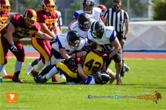 Leon Simioni #42 (Winterthur),beim US-Sports spiel der American Football - U 19 zwischen dem Winterthur Warriors und dem Luzern Lions  U19, on Saturday,  21. April 2018 auf dem  Winterthurer Deutweg in Winterthur. (TOPpictures/Michael Walch)Bild-Id: WAM_37033