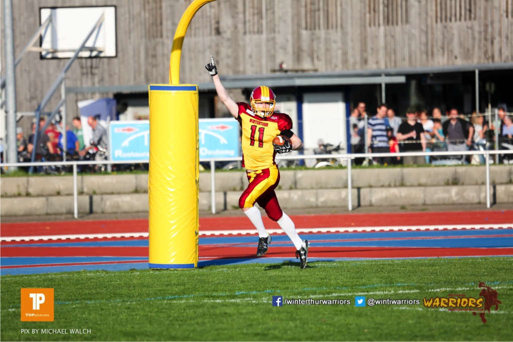 Nicolas Fuerer #11 (Winterthur),beim US-Sports spiel der American Football - NLA zwischen dem Winterthur Warriors und dem Luzern Lions, on Saturday,  21. April 2018 auf dem  Winterthurer Deutweg in Winterthur. (TOPpictures/Michael Walch)Bild-Id: WAM_37113