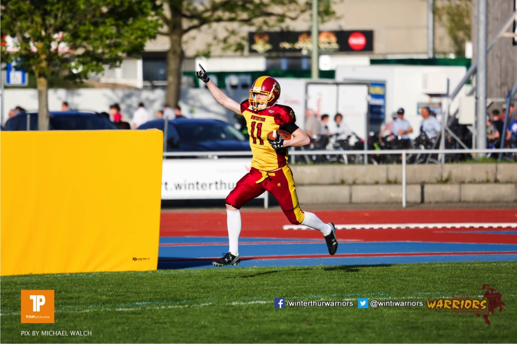 Nicolas Fuerer #11 (Winterthur),beim US-Sports spiel der American Football - NLA zwischen dem Winterthur Warriors und dem Luzern Lions, on Saturday,  21. April 2018 auf dem  Winterthurer Deutweg in Winterthur. (TOPpictures/Michael Walch)Bild-Id: WAM_37114
