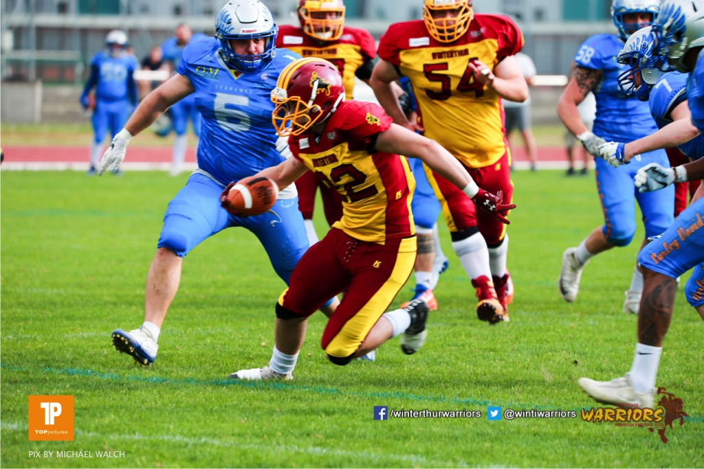 Beim US-Sports spiel der American Football  zwischen den Winterthur Warriors und den Geneva Seahawks, on Saturday,  12. May 2018 im Sportpark Deutweg in Winterthur . (TOPpictures/Michael Walch) Bild-Id: WAM_39992
