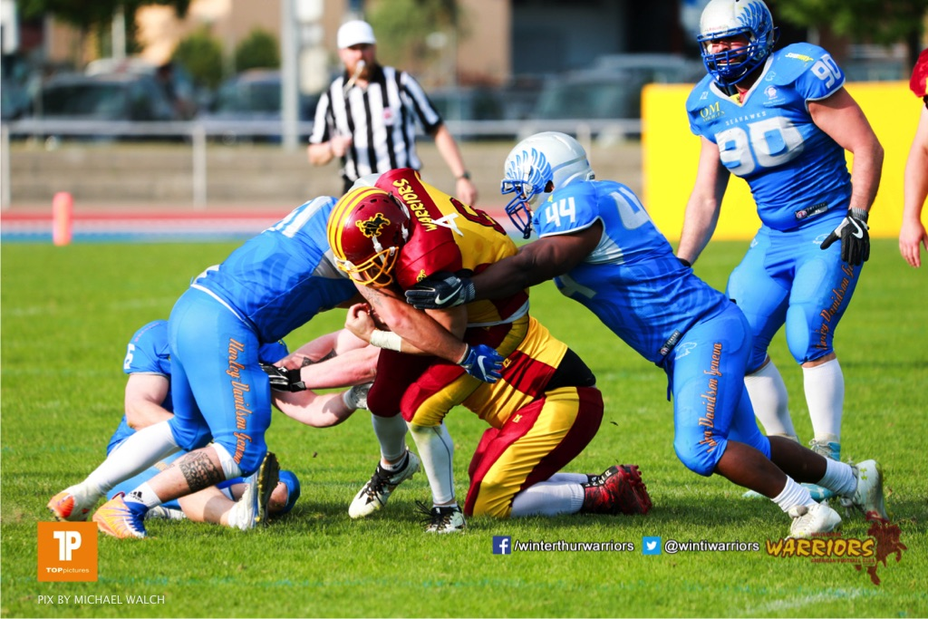 Beim US-Sports spiel der American Football  zwischen den Winterthur Warriors und den Geneva Seahawks, on Saturday,  12. May 2018 im Sportpark Deutweg in Winterthur . (TOPpictures/Michael Walch) Bild-Id: WAM_40018